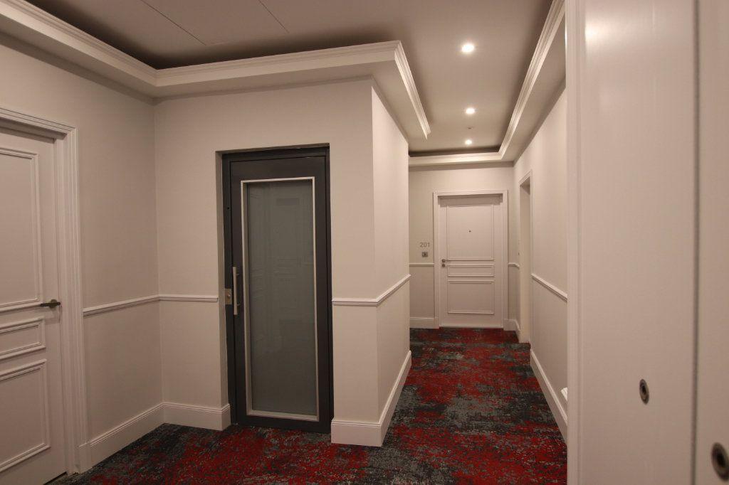 Appartement à louer 2 49.19m2 à Nice vignette-10