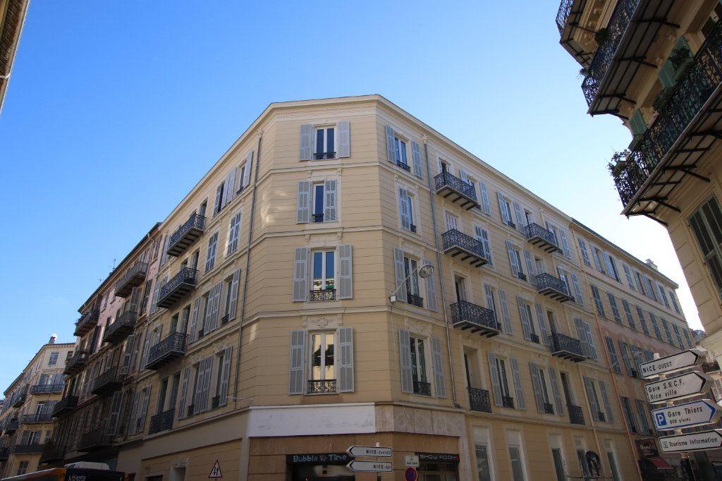Appartement à louer 2 49.19m2 à Nice vignette-12