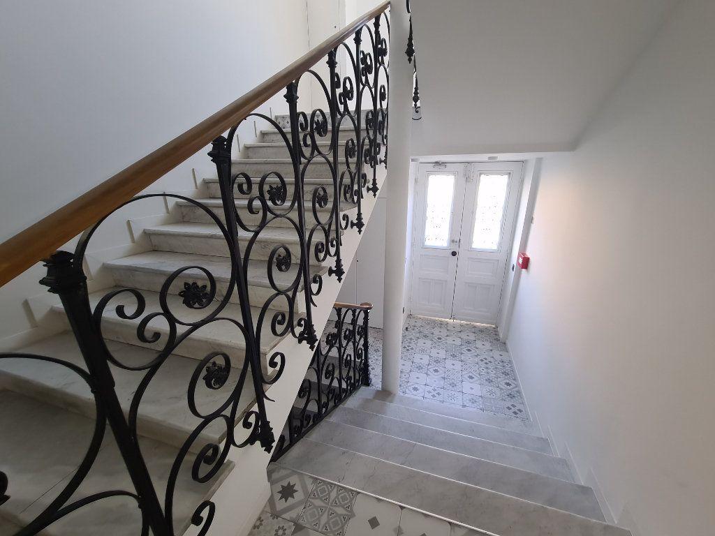 Appartement à vendre 2 33.7m2 à Nice vignette-1