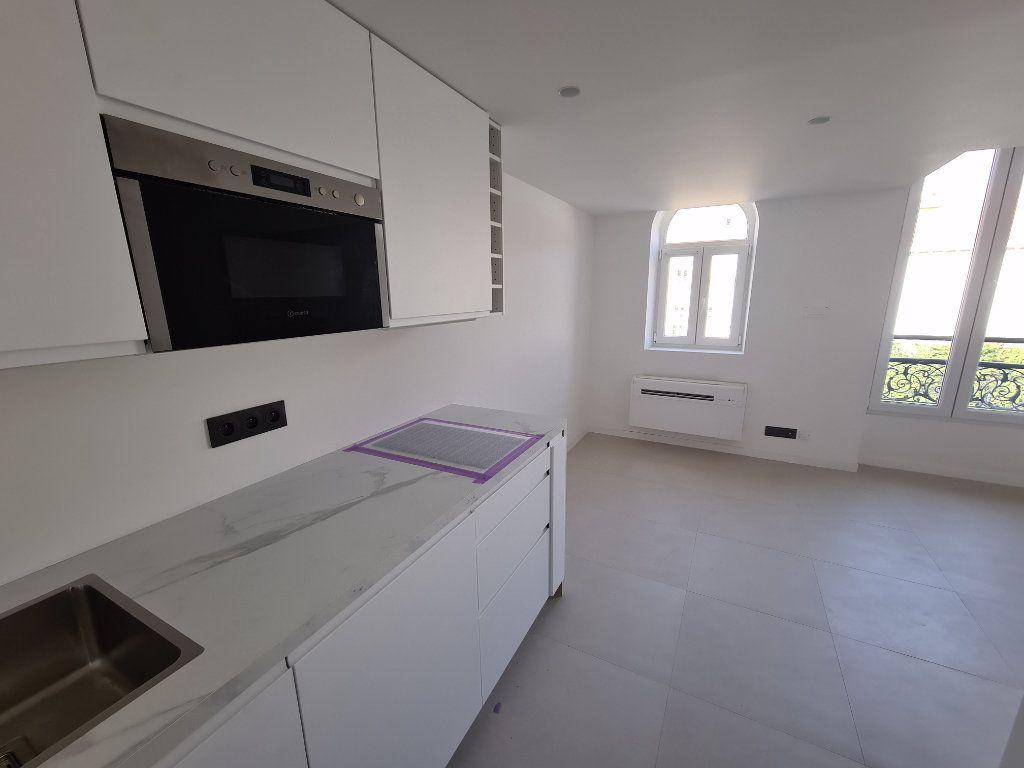 Appartement à vendre 2 33.7m2 à Nice vignette-3