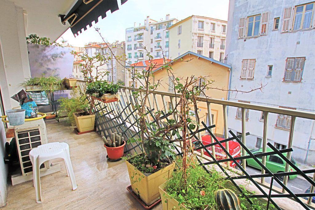 Appartement à vendre 5 107.03m2 à Nice vignette-1