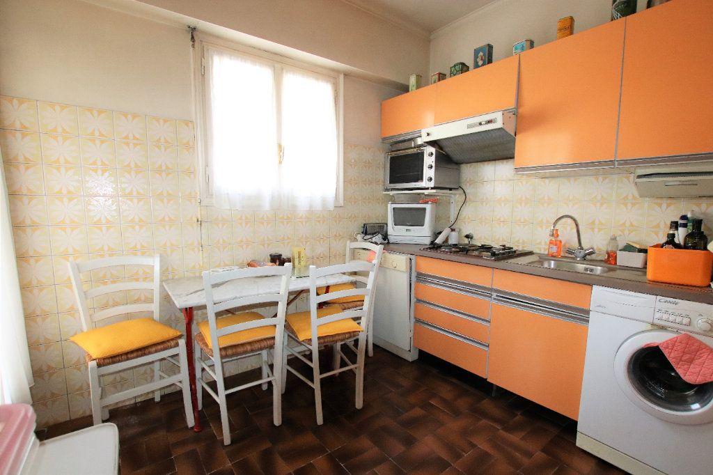 Appartement à vendre 5 107.03m2 à Nice vignette-6