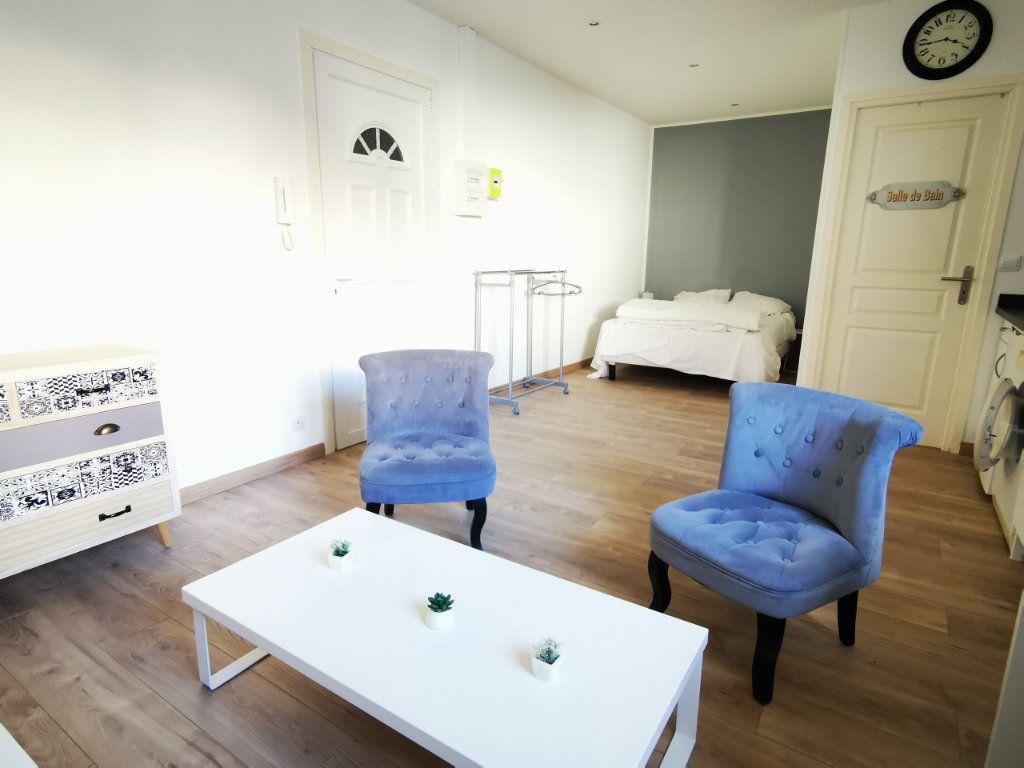 Appartement à louer 1 27.12m2 à Nice vignette-2
