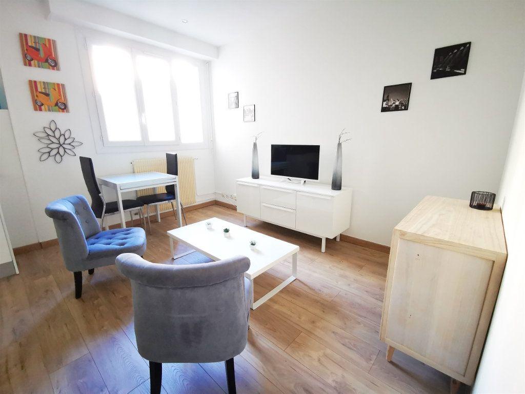Appartement à louer 1 27.12m2 à Nice vignette-3