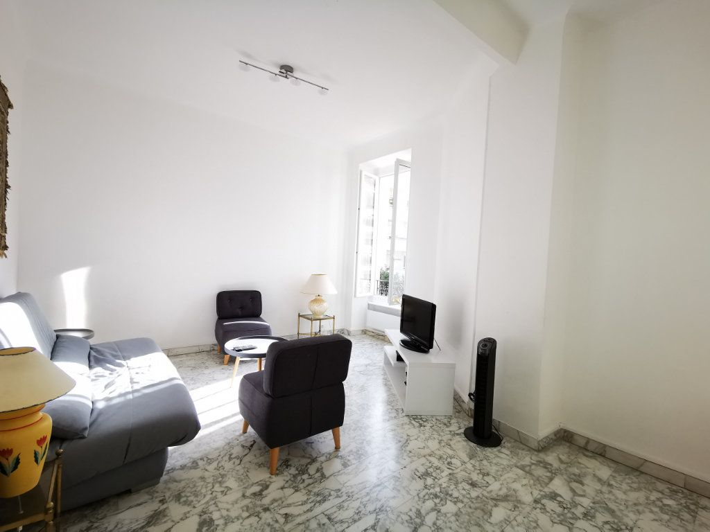Appartement à louer 3 83.99m2 à Nice vignette-2