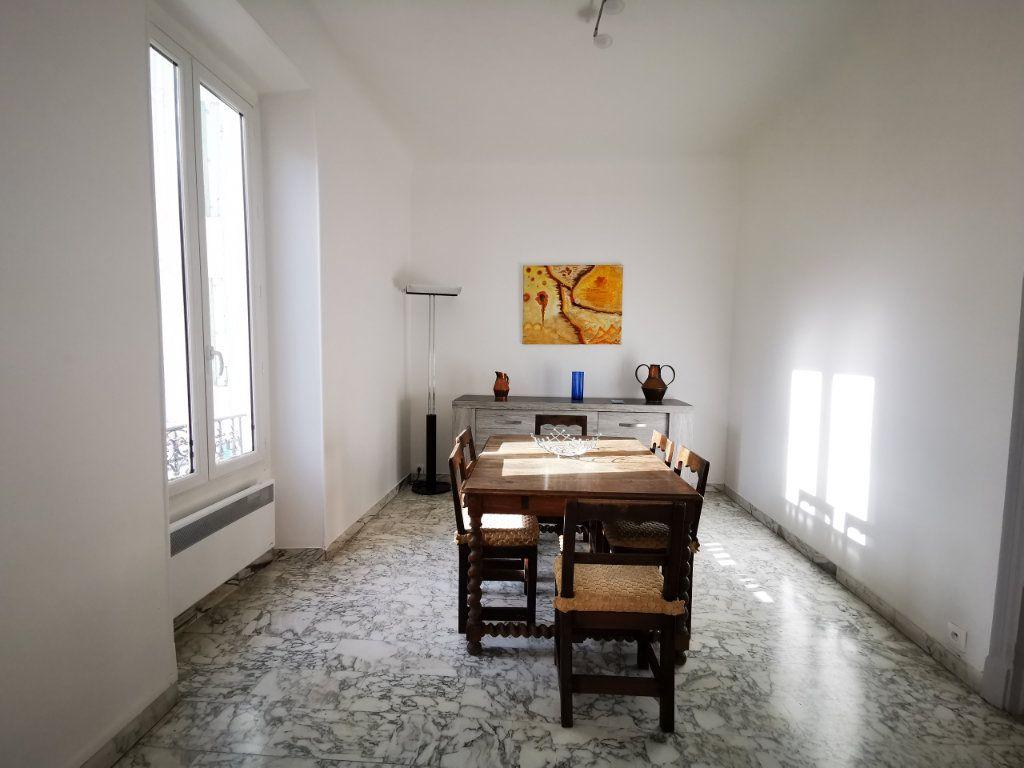 Appartement à louer 3 83.99m2 à Nice vignette-3
