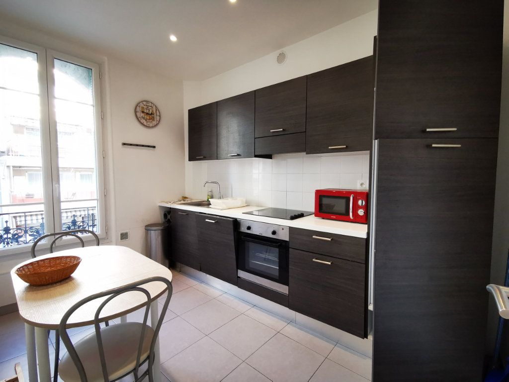 Appartement à louer 3 83.99m2 à Nice vignette-4