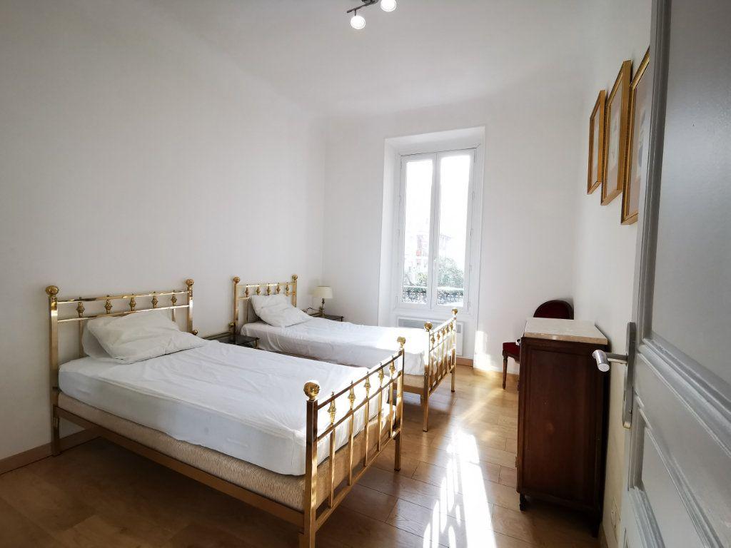 Appartement à louer 3 83.99m2 à Nice vignette-6