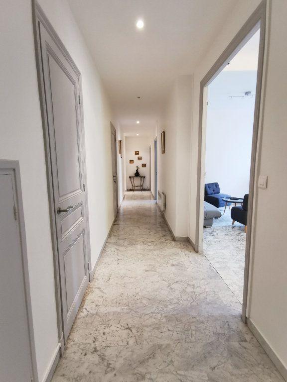 Appartement à louer 3 83.99m2 à Nice vignette-9