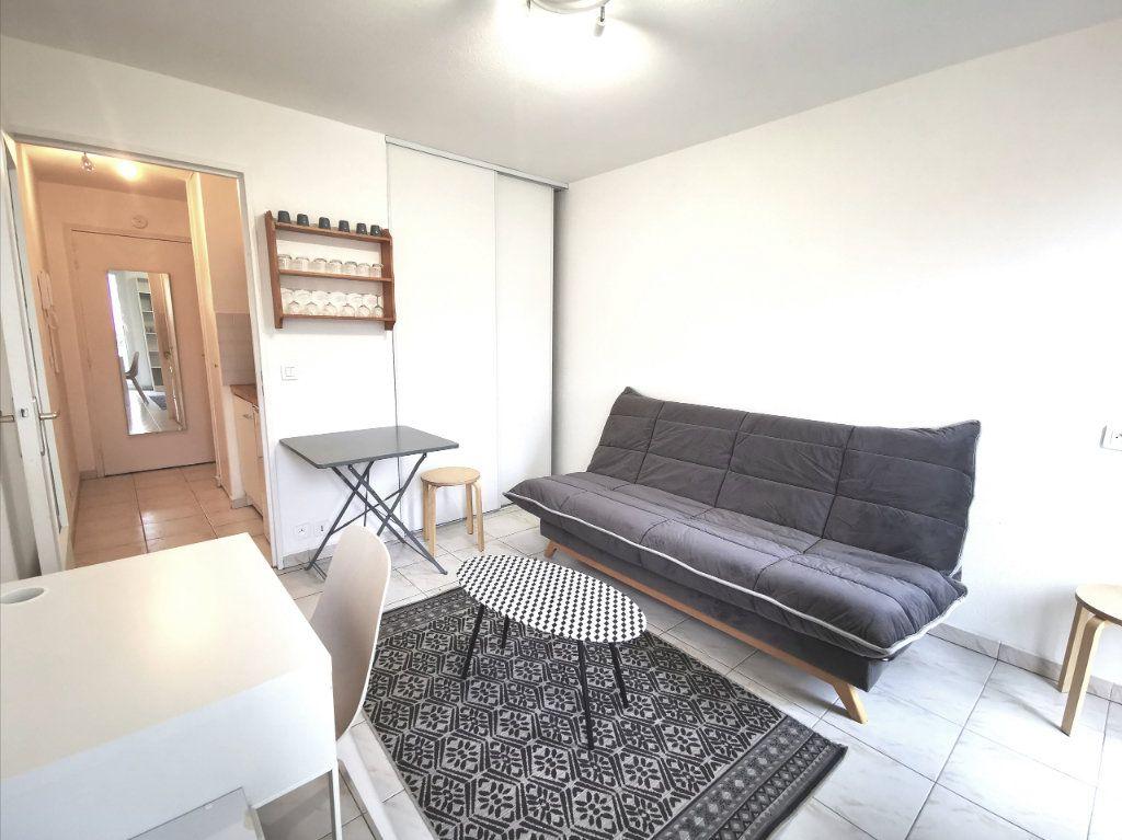Appartement à louer 1 17.75m2 à Nice vignette-2