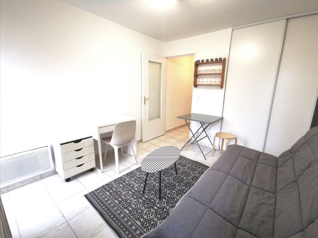 Appartement à louer 1 17.75m2 à Nice vignette-3