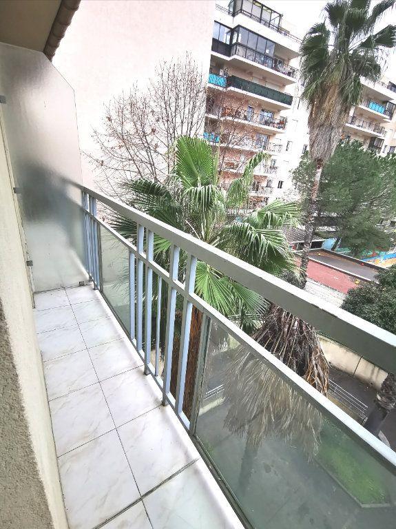 Appartement à louer 1 17.75m2 à Nice vignette-4