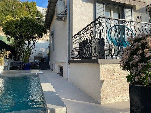 Maison à vendre 5 140m2 à Nice vignette-1