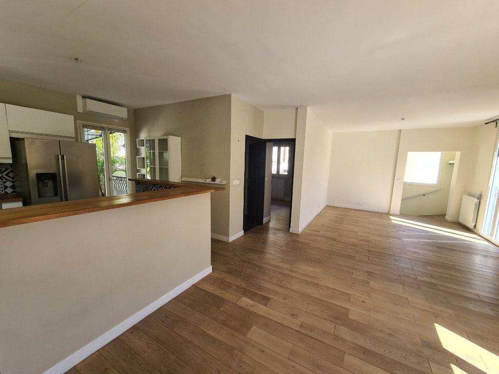 Maison à vendre 5 140m2 à Nice vignette-5