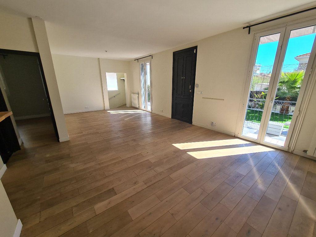 Maison à vendre 5 140m2 à Nice vignette-10