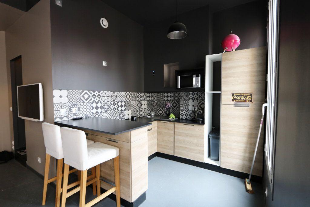 Appartement à louer 2 41.27m2 à Nice vignette-3