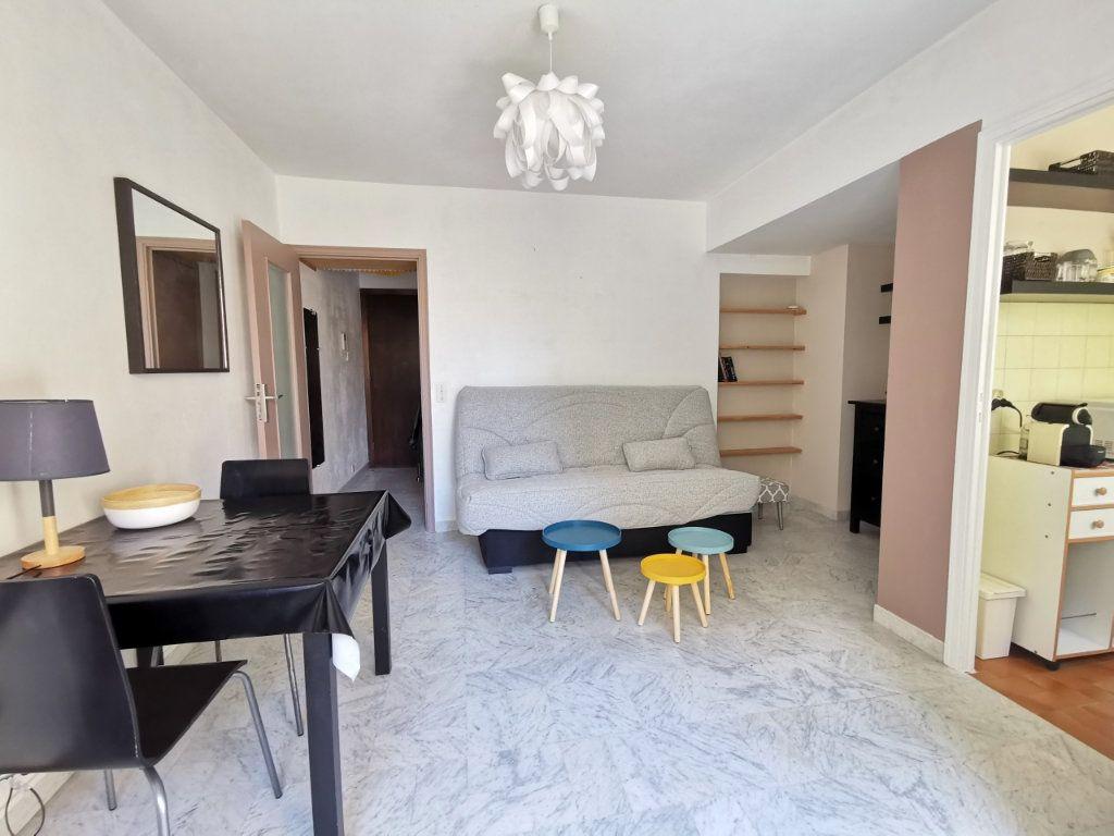 Appartement à louer 1 21.78m2 à Nice vignette-1