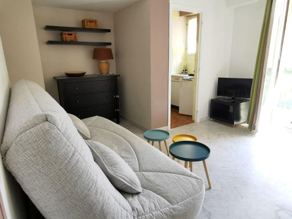Appartement à louer 1 21.78m2 à Nice vignette-2