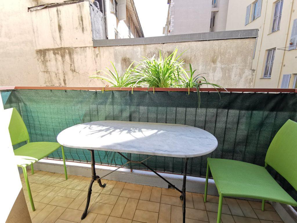 Appartement à louer 1 21.78m2 à Nice vignette-4