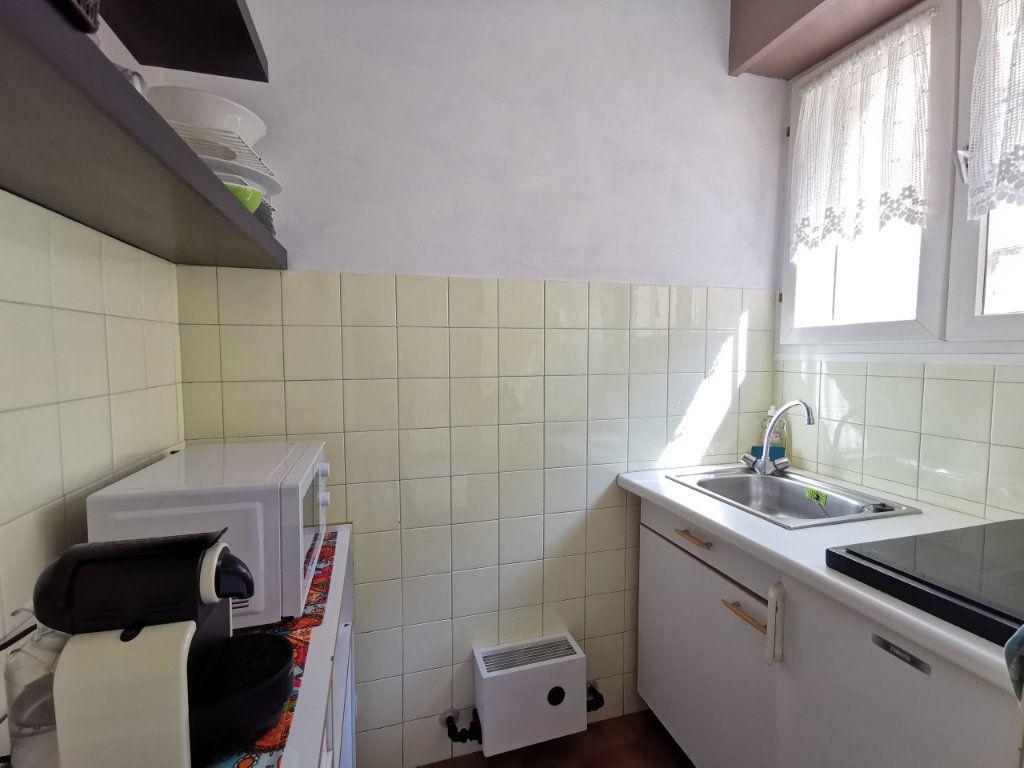 Appartement à louer 1 21.78m2 à Nice vignette-5