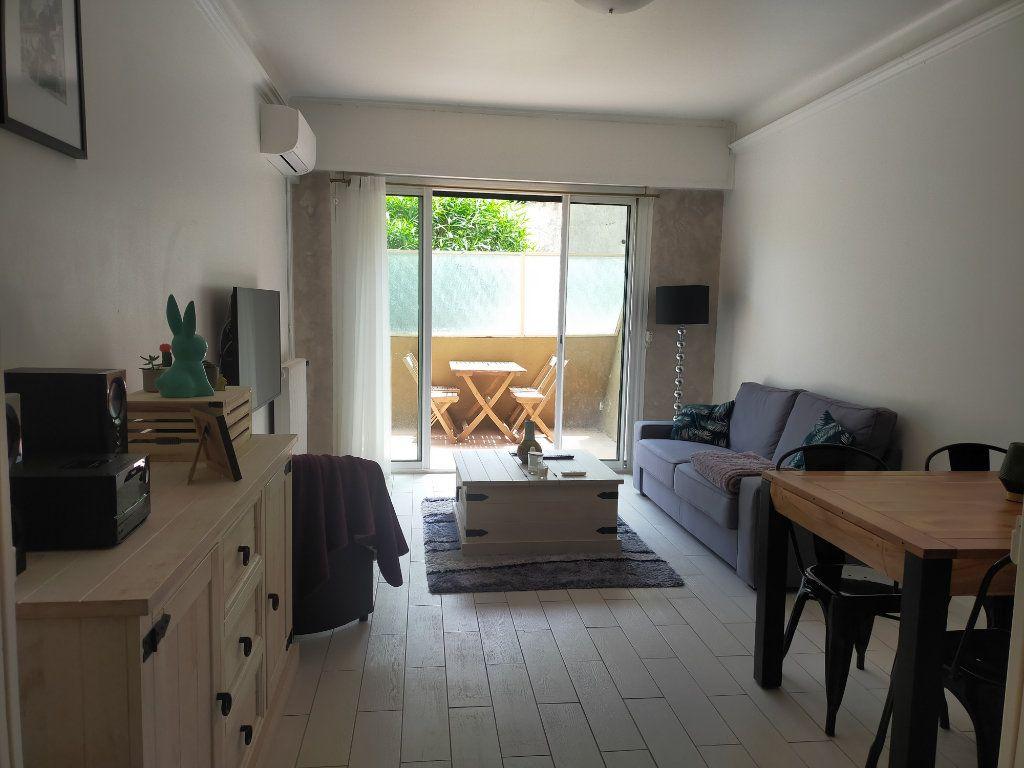 Appartement à louer 2 44.65m2 à Nice vignette-1