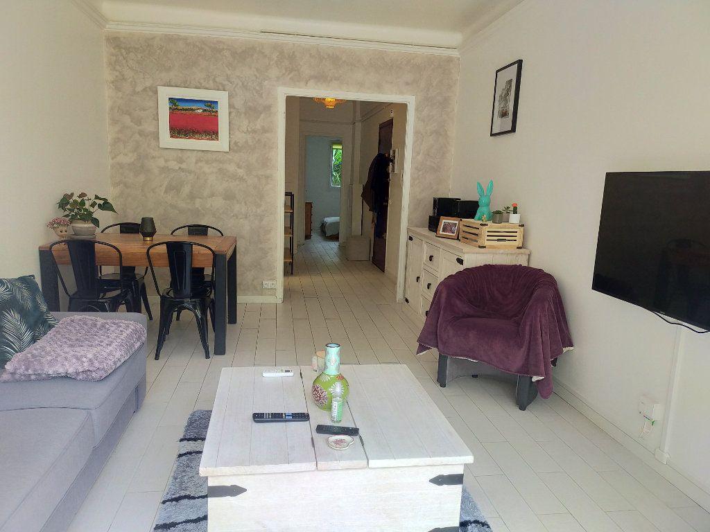 Appartement à louer 2 44.65m2 à Nice vignette-2