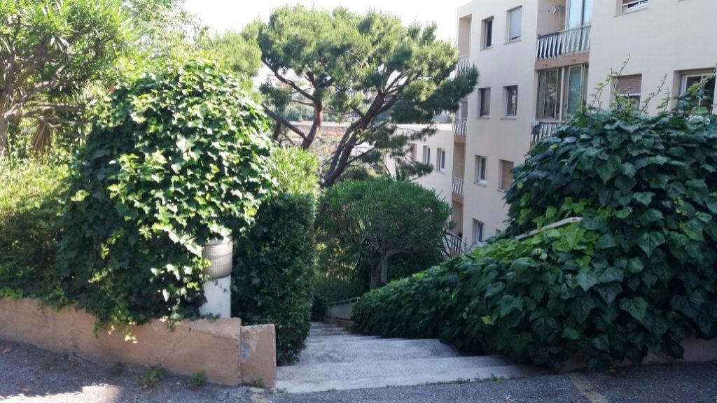 Appartement à louer 2 44.65m2 à Nice vignette-5
