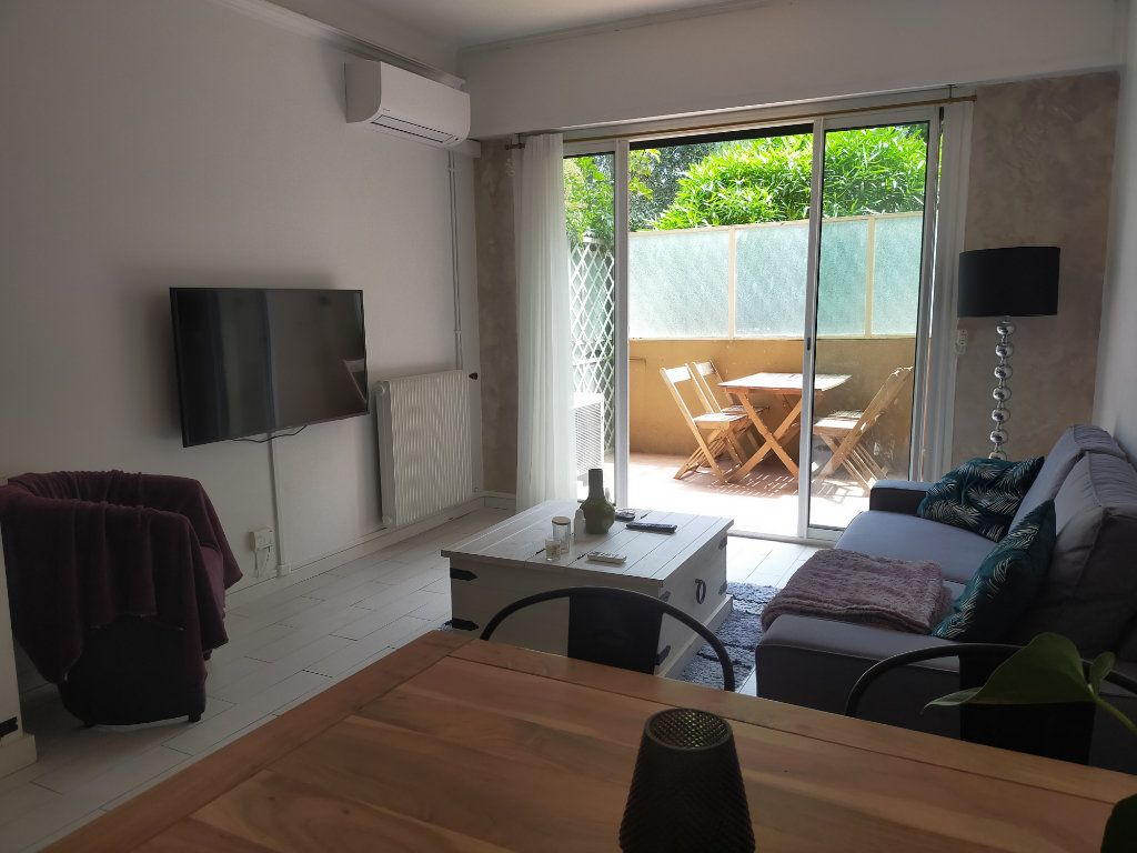 Appartement à louer 2 44.65m2 à Nice vignette-6
