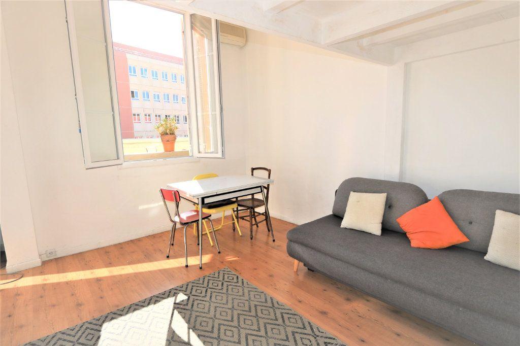 Appartement à louer 1 26.2m2 à Nice vignette-2