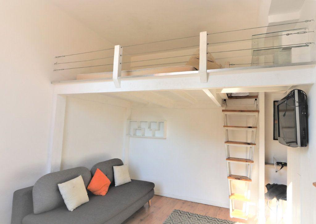 Appartement à louer 1 26.2m2 à Nice vignette-3