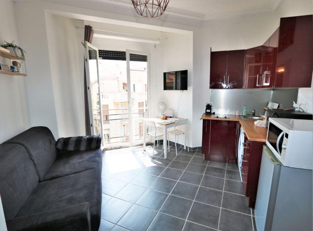 Appartement à louer 1 14.02m2 à Nice vignette-2