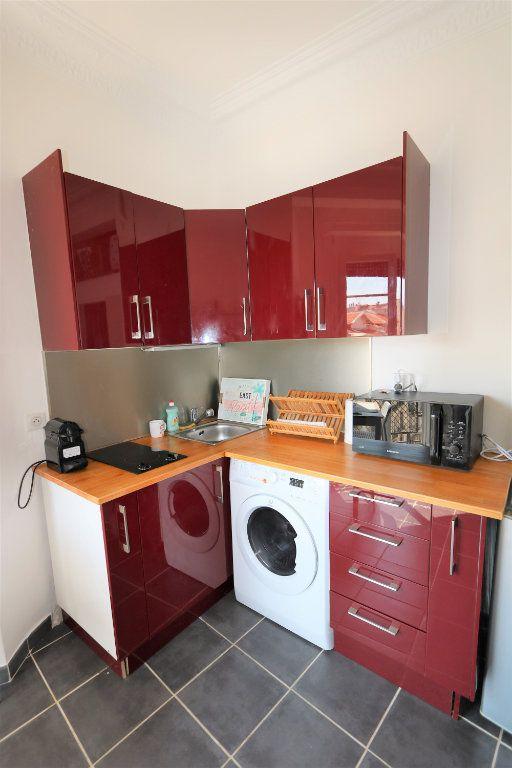 Appartement à louer 1 14.02m2 à Nice vignette-4