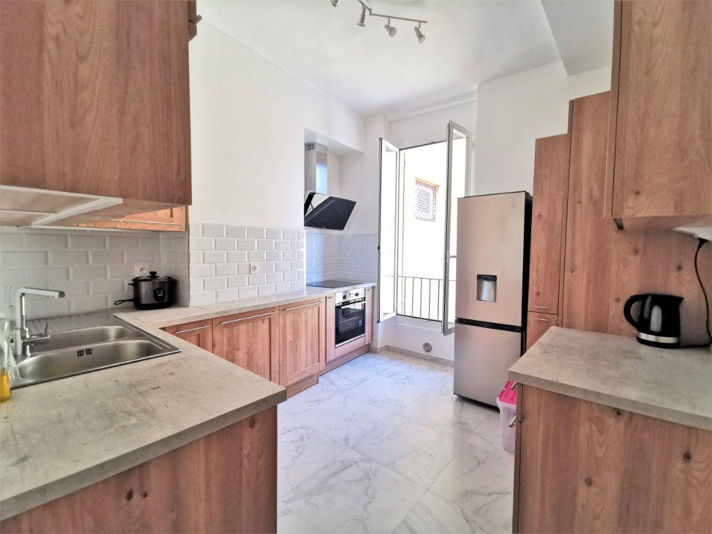 Appartement à louer 3 82.5m2 à Nice vignette-2