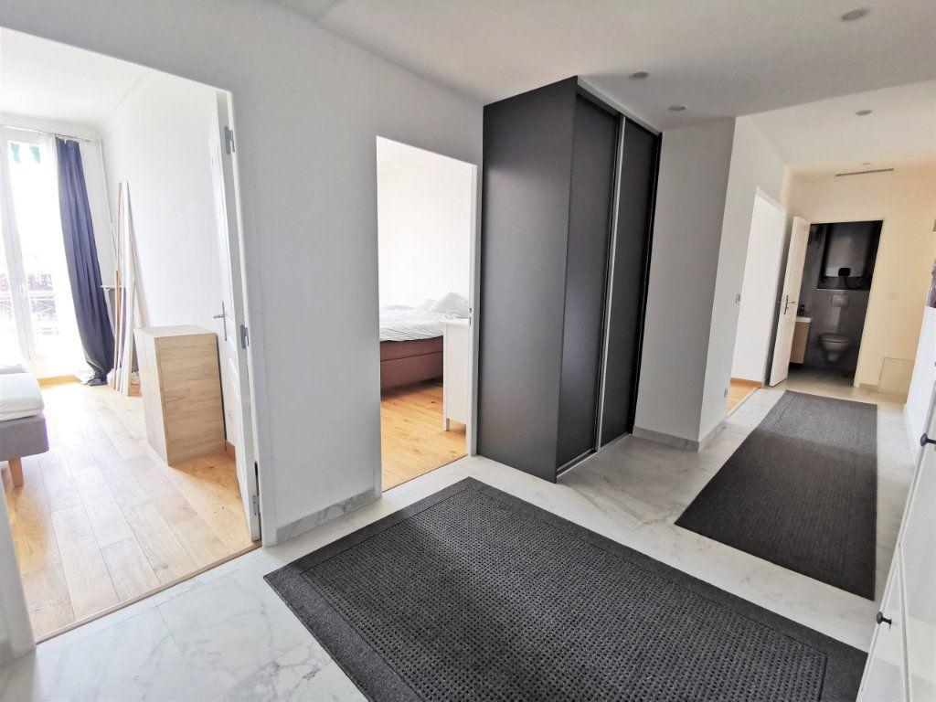Appartement à louer 3 82.5m2 à Nice vignette-3