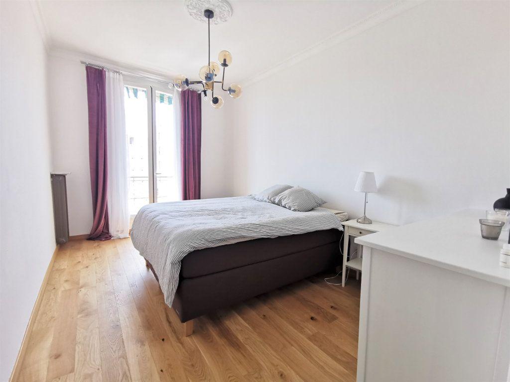 Appartement à louer 3 82.5m2 à Nice vignette-4