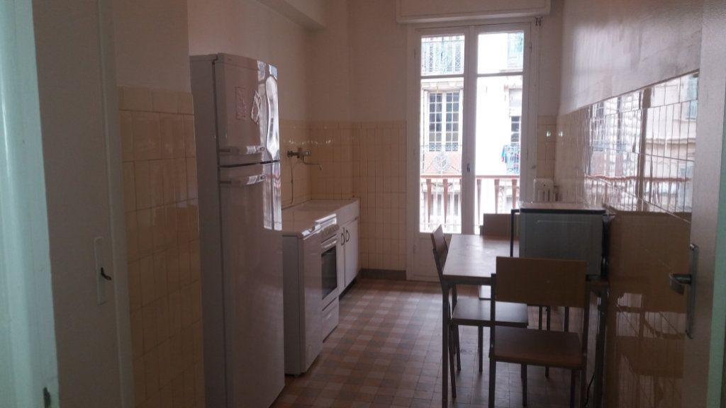 Appartement à louer 3 80.26m2 à Nice vignette-2