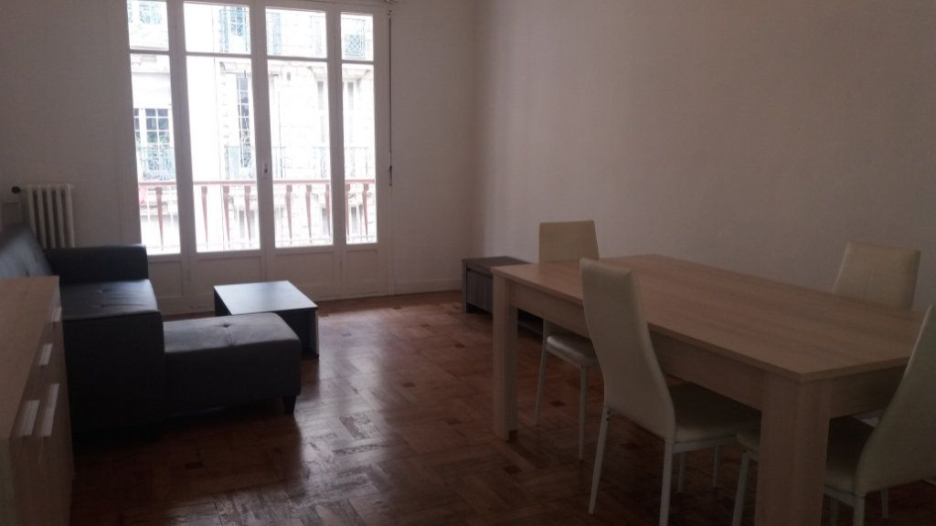 Appartement à louer 3 80.26m2 à Nice vignette-6
