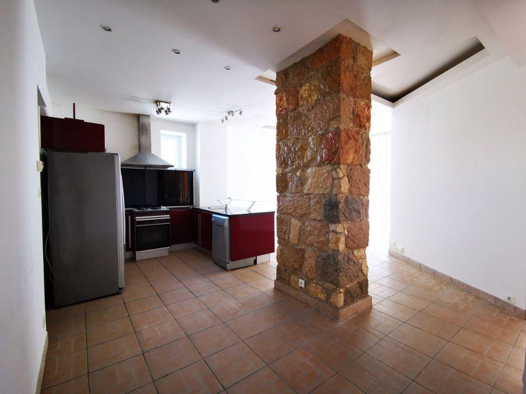 Appartement à louer 3 65.68m2 à Nice vignette-4