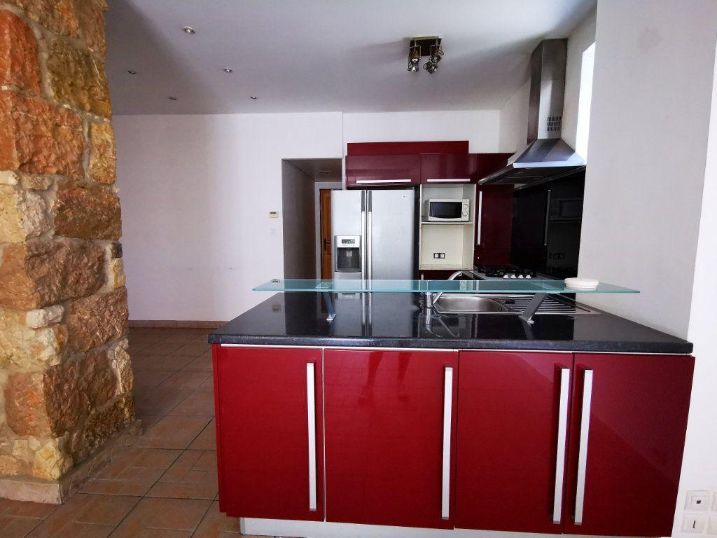 Appartement à louer 3 65.68m2 à Nice vignette-5