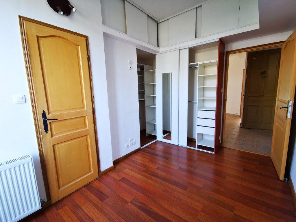 Appartement à louer 3 65.68m2 à Nice vignette-8