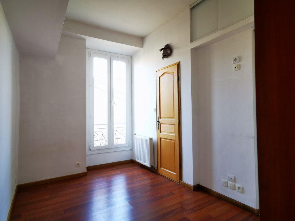 Appartement à louer 3 65.68m2 à Nice vignette-9