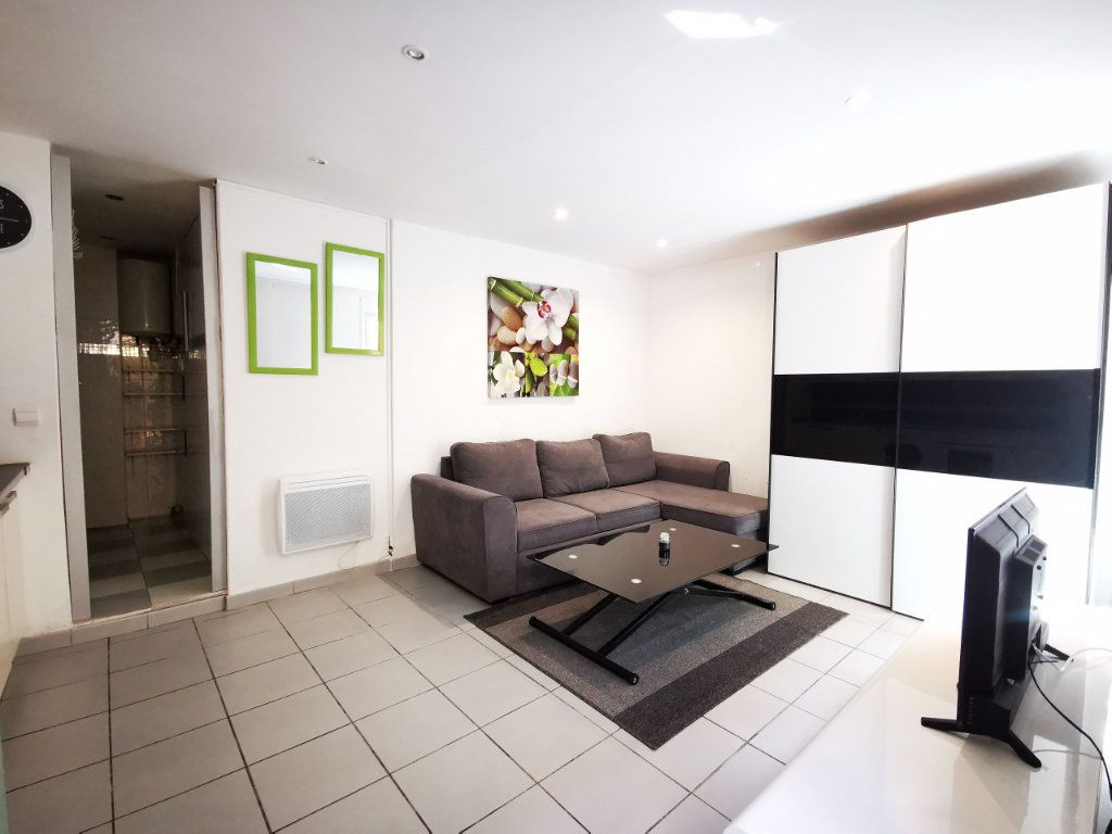 Appartement à louer 1 19.97m2 à Nice vignette-3