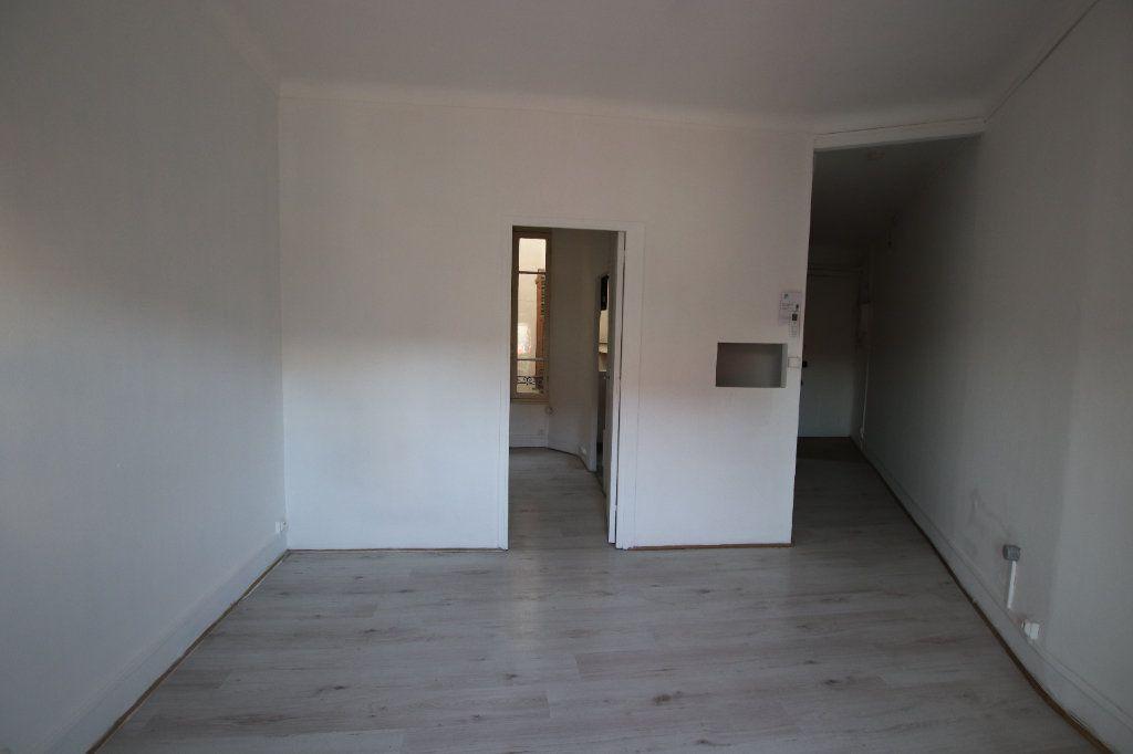 Appartement à louer 2 29.25m2 à Nice vignette-3