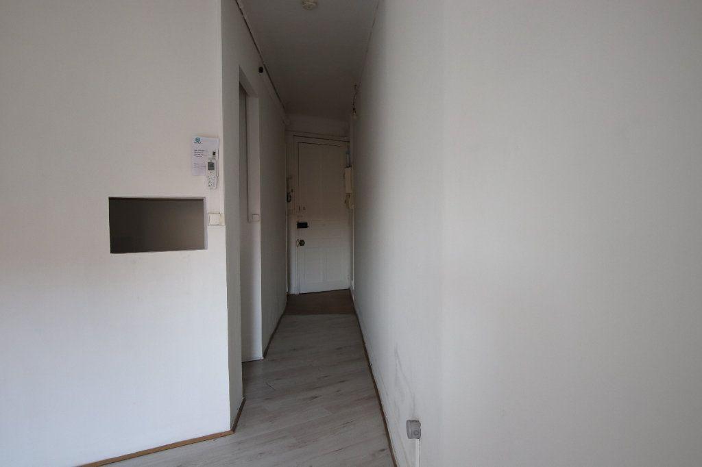 Appartement à louer 2 29.25m2 à Nice vignette-7