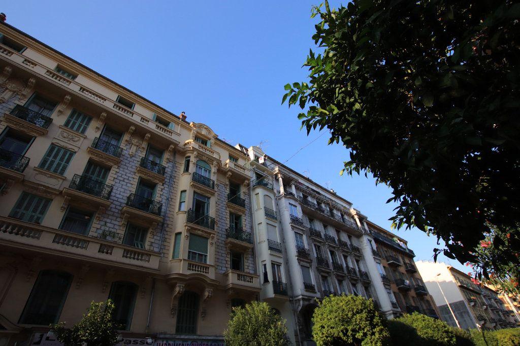 Appartement à louer 2 29.25m2 à Nice vignette-9