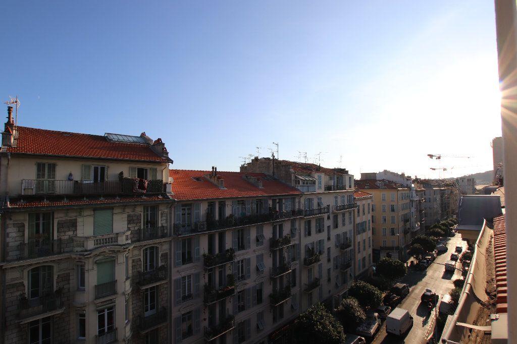 Appartement à louer 2 29.25m2 à Nice vignette-10