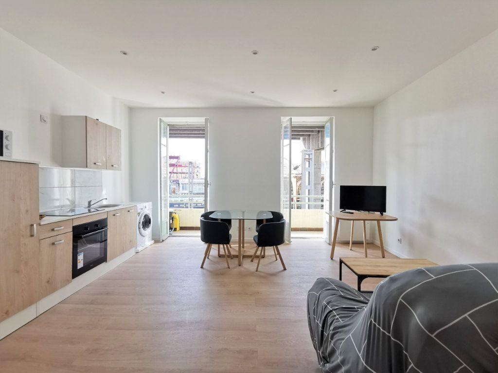 Appartement à louer 3 55.55m2 à Nice vignette-1