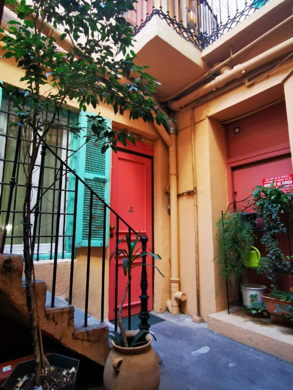 Appartement à louer 1 27.29m2 à Nice vignette-1