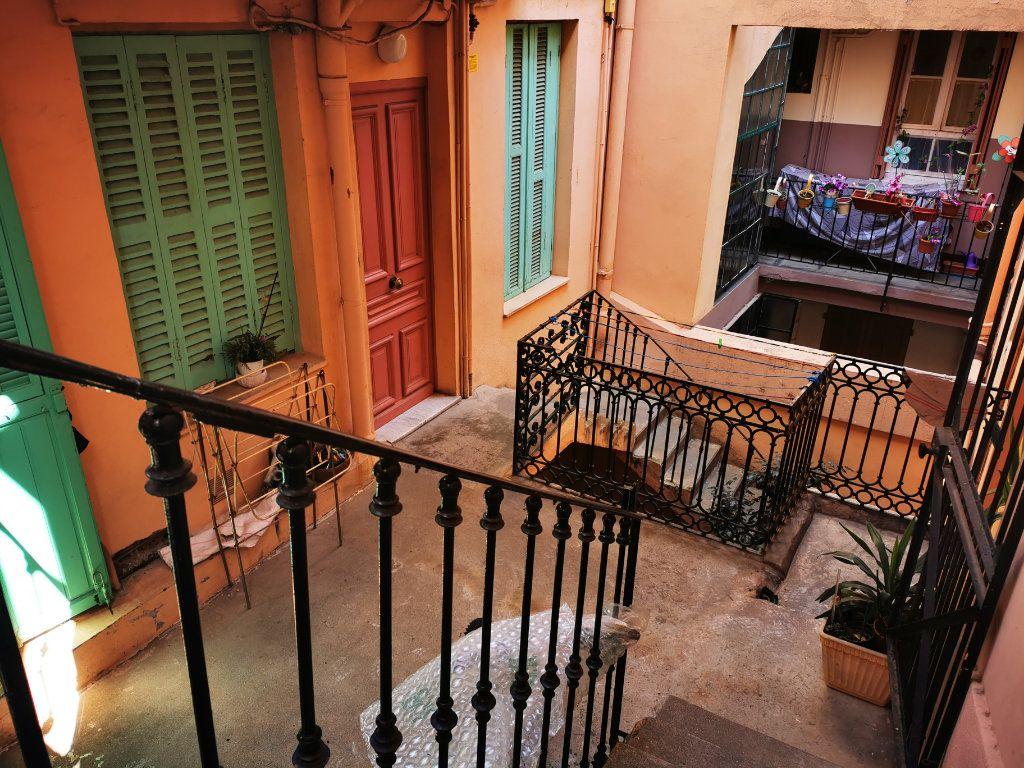 Appartement à louer 1 27.29m2 à Nice vignette-2