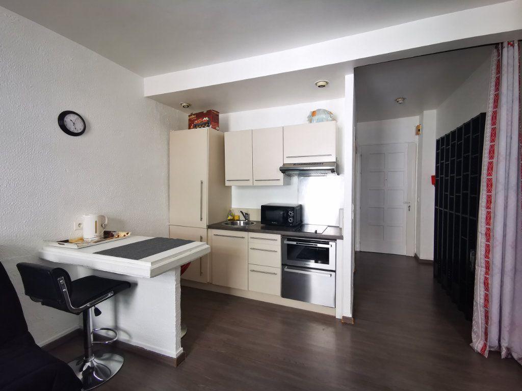 Appartement à louer 1 27.29m2 à Nice vignette-5
